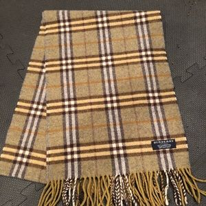 VINTAGE CHECK BURBERRY WOOL SCARF